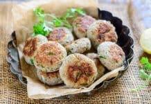 Arbi Ke Kabab With Yoghurt-Mint Dip
